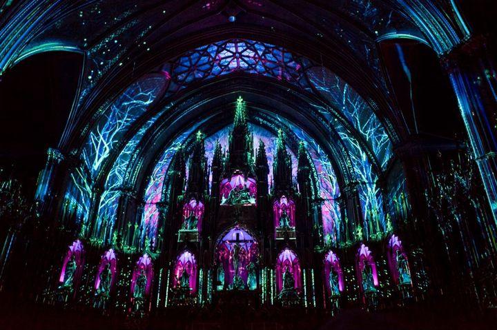 ▲「靈韻 AURA」燈光秀。 圖:AURA Notre-Dame-Basilica, Susan Moss╱提供